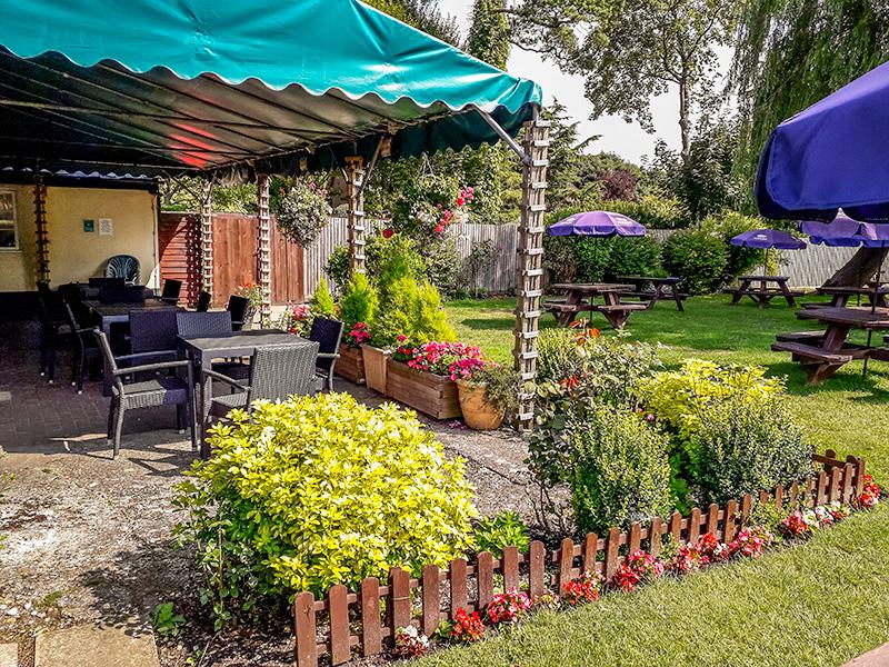 Fox & Goose Coombe Bissett Beer Garden