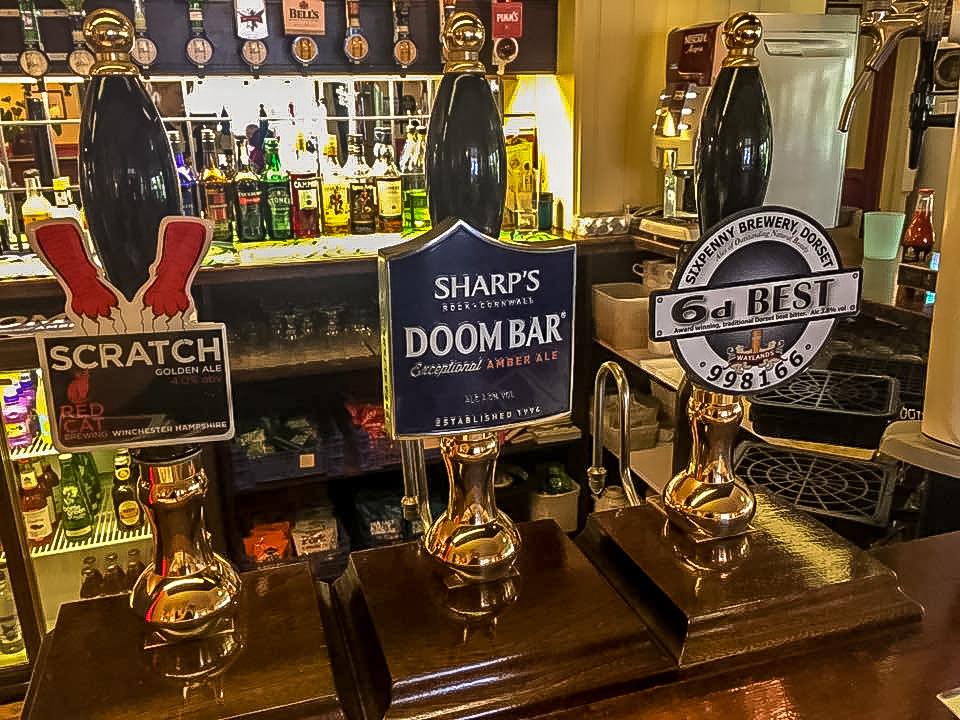 Fox & Goose Coombe Bissett Bar Pumps
