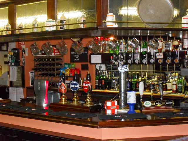 Fox & Goose Coombe Bissett Bar