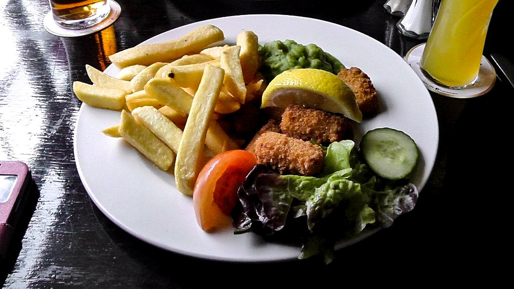Fox & Goose Coombe Bissett Scampi and Chips